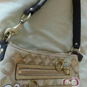 Coach Bags - Coach poppy bag
